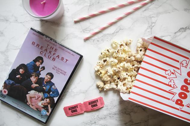 the-breakfast-club-film-flat-lay-blogger-movie-night-hmv.jpg